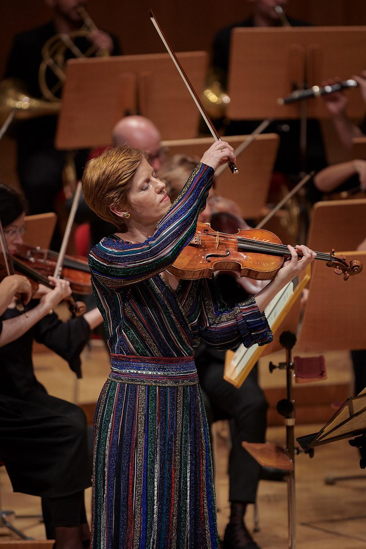 Isabelle Faust, fotografiert in der Kölner Philharmonie