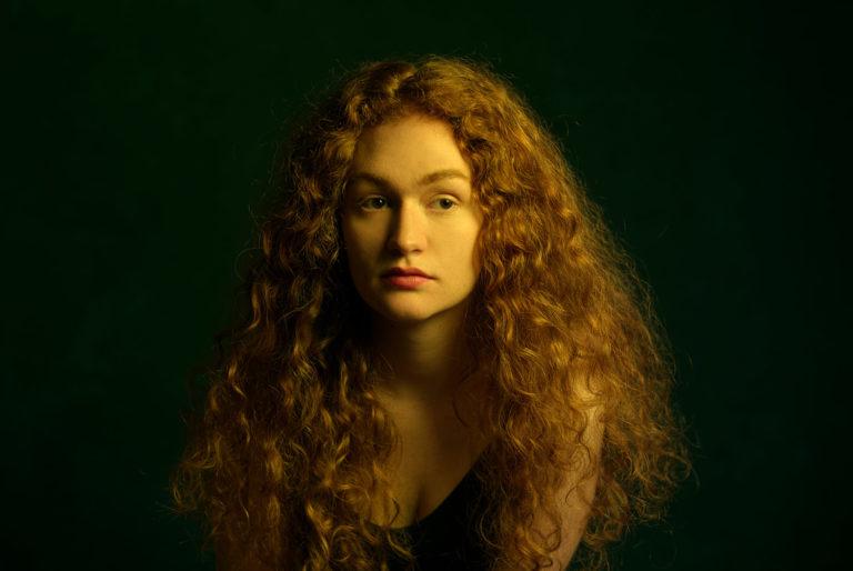 Noelle Fleckenstein, kreativ im Studio fotografiert von Christian Palm
