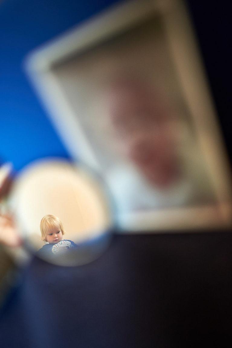 kreativ fotografiertes kleines Kund Spiegel
