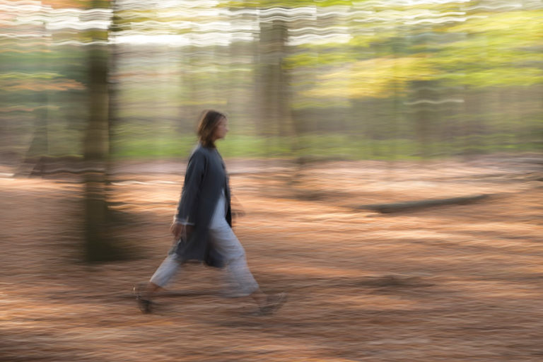 Greta Schlotheuber, Bewegungsunschärfe, fotografiert von Christian Palm