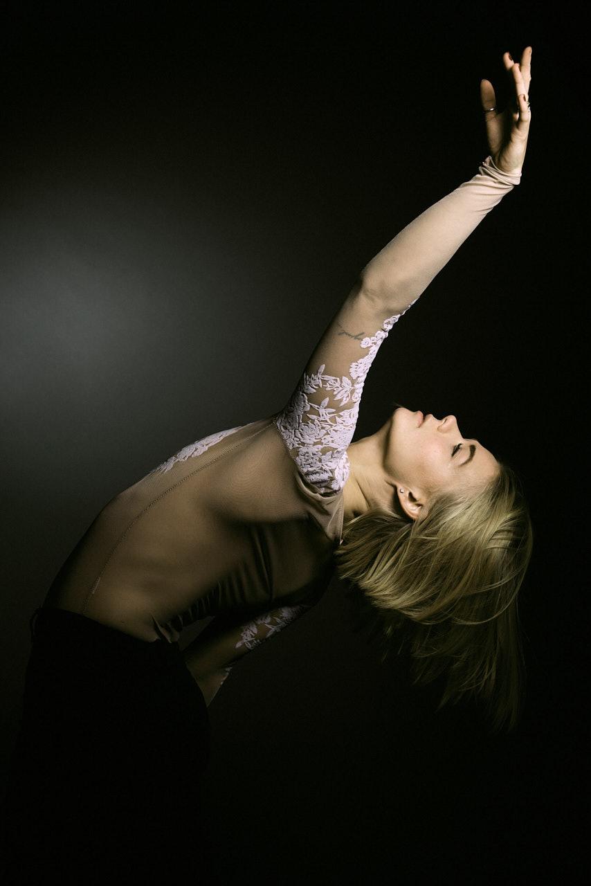 Sina Kochendörfer Studiofotografie Tänzerin Modern Dance
