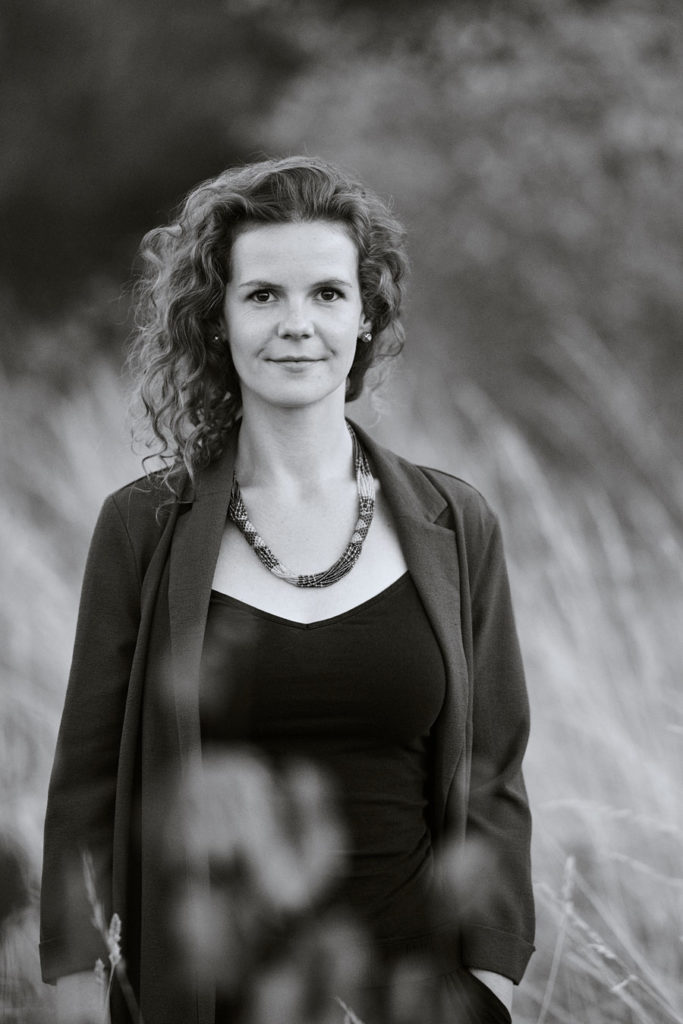 Portrait Schauspielerin Samira Julia Calder